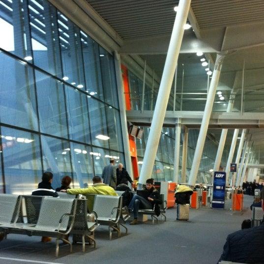 2/17/2013에 Leonardo T.님이 바르샤바 쇼팽 공항 (WAW)에서 찍은 사진