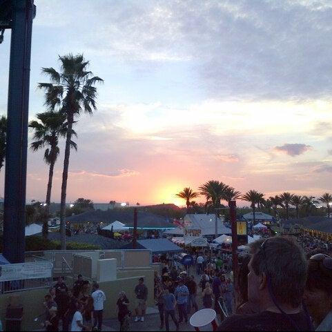 Foto tomada en Coral Sky Amphitheatre por Erik🇺🇸 el 3/11/2013