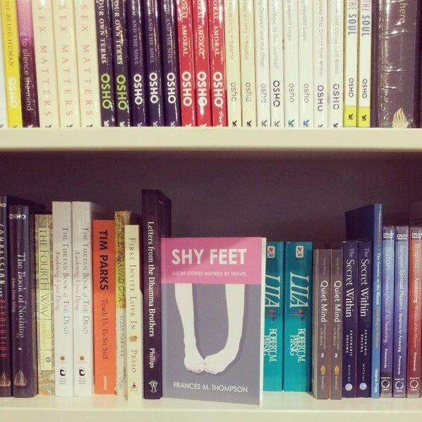 Foto tirada no(a) The American Book Center por Frankie B. em 8/26/2013