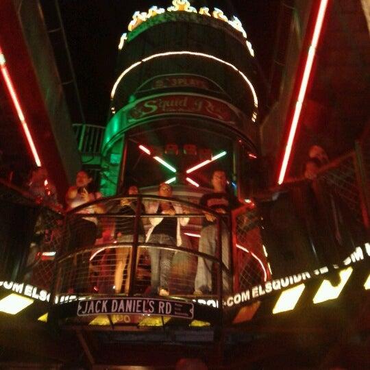 Foto scattata a El Squid Roe da Carlos J. il 11/10/2012