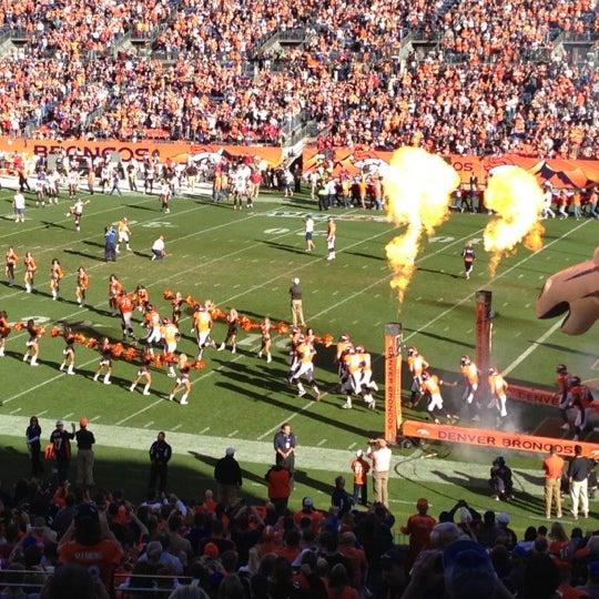 Foto diambil di Broncos Stadium at Mile High oleh James pada 12/2/2012