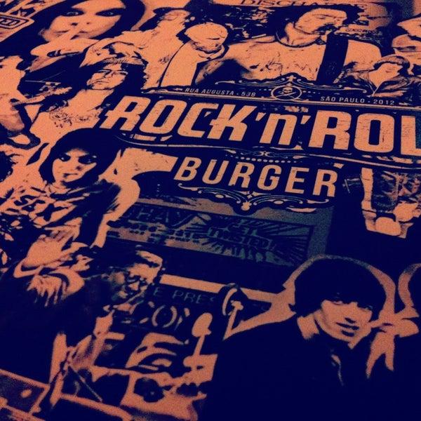 1/27/2013 tarihinde Karina S.ziyaretçi tarafından Rock 'n' Roll Burger'de çekilen fotoğraf
