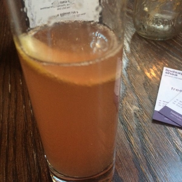 Das Foto wurde bei Freestyle Food + Drink von Artemis K. am 10/7/2014 aufgenommen