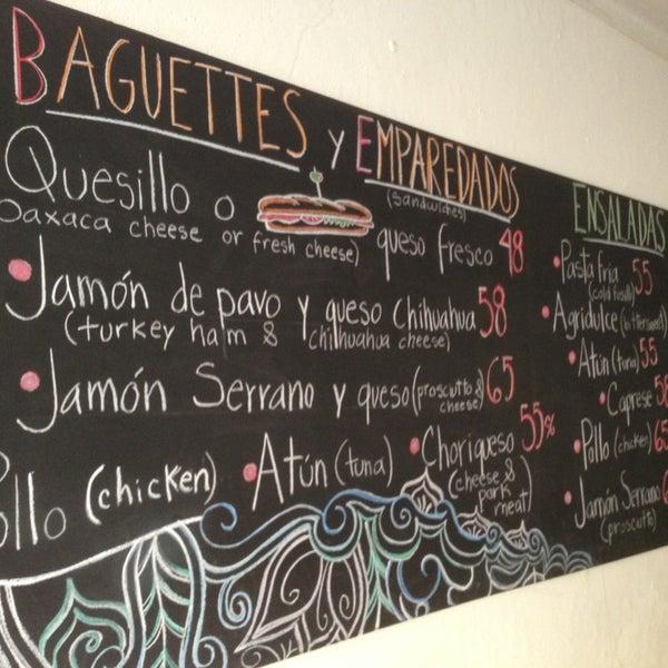 Foto tomada en Café Jaguar Yuú por Luis Felipe S. el 2/28/2013