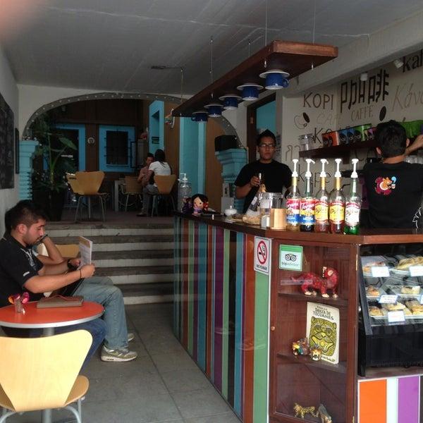 Foto tomada en Café Jaguar Yuú por Luis Felipe S. el 2/27/2013