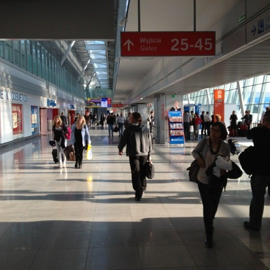 9/18/2012에 Bob F.님이 바르샤바 쇼팽 공항 (WAW)에서 찍은 사진