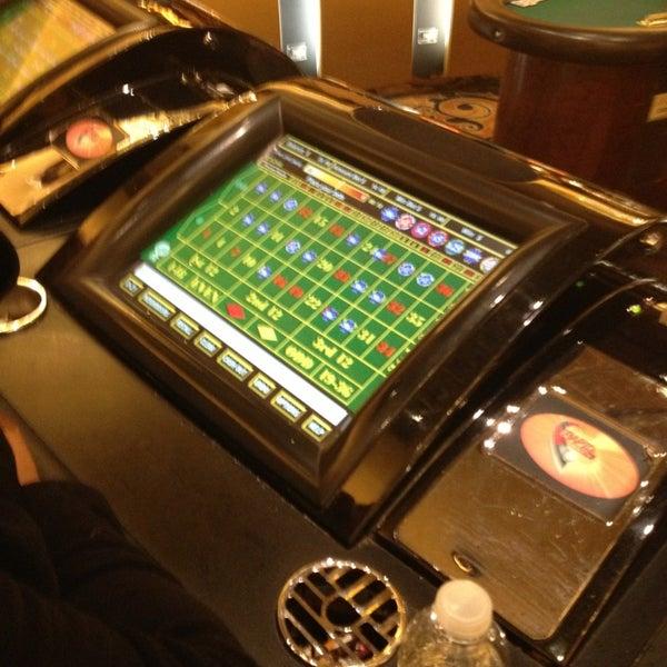 รูปภาพถ่ายที่ Horseshoe Hammond Casino โดย Sarah J. เมื่อ 3/10/2013