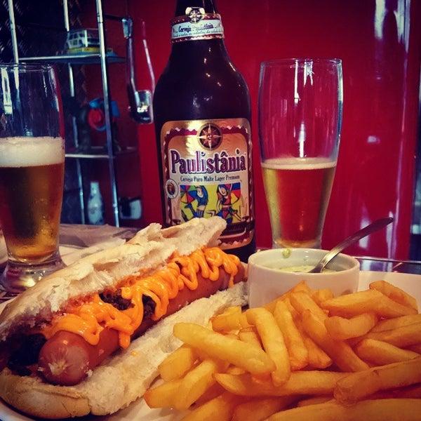 Снимок сделан в São Paulo Dog & Burger пользователем Boteco&Cerveja 10/25/2014