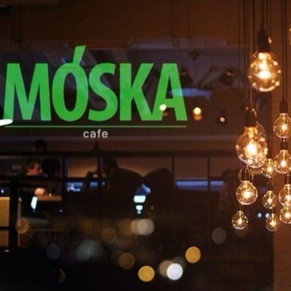 รูปภาพถ่ายที่ Moska Bar โดย Polina B. เมื่อ 4/28/2013