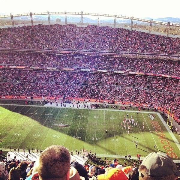 Foto diambil di Broncos Stadium at Mile High oleh Fernanda M. pada 12/23/2012