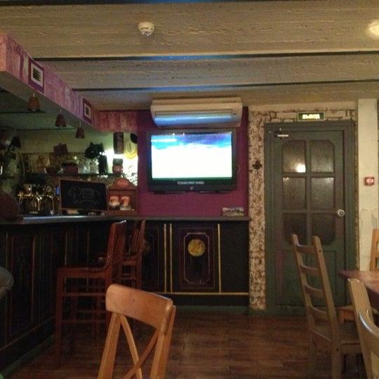 10/24/2012 tarihinde Nacho S.ziyaretçi tarafından Thistle Pub'de çekilen fotoğraf