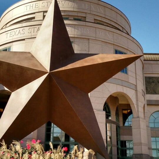 1/4/2015 tarihinde Sue-Yen Y.ziyaretçi tarafından Bullock Texas State History Museum'de çekilen fotoğraf