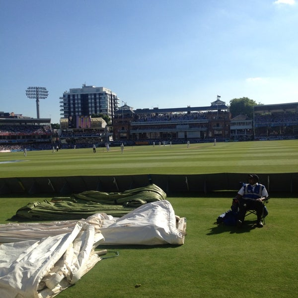 Foto tomada en Lord's Cricket Ground (MCC)  por Jamie S. el 7/19/2013