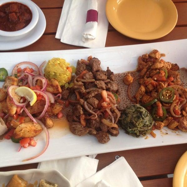 Снимок сделан в Desta Ethiopian Kitchen пользователем Arwen S. 8/12/2014
