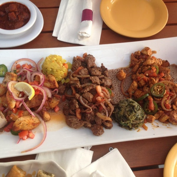 Foto scattata a Desta Ethiopian Kitchen da Arwen S. il 8/12/2014