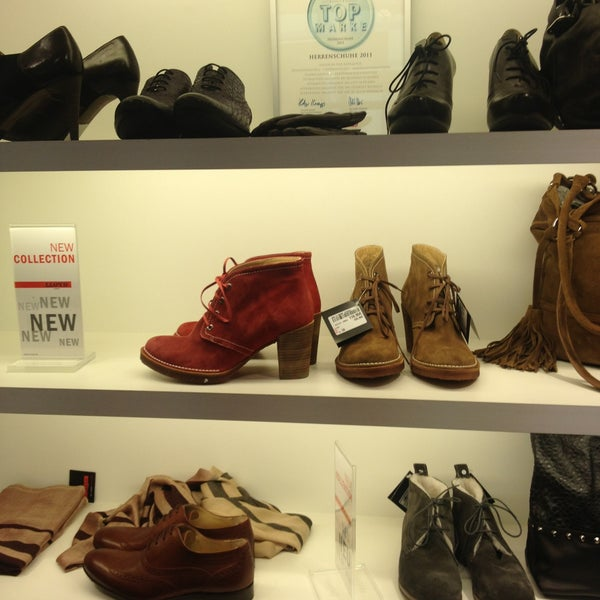 buy popular a0ca6 e0f6a Photos at LLOYD Factory Outlet - Shoe Store in Wustermark