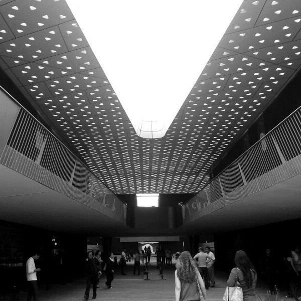 Foto tomada en Cineteca Nacional por Fabián D. el 3/28/2013