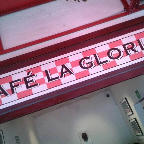Foto tirada no(a) Café La Gloria por Fabián D. em 3/30/2013