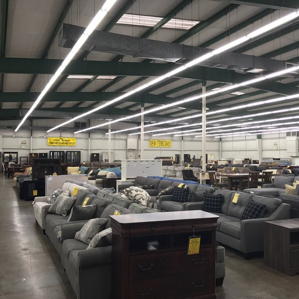 Photos At Home Comfort Furniture Clearance Outlet Northwest