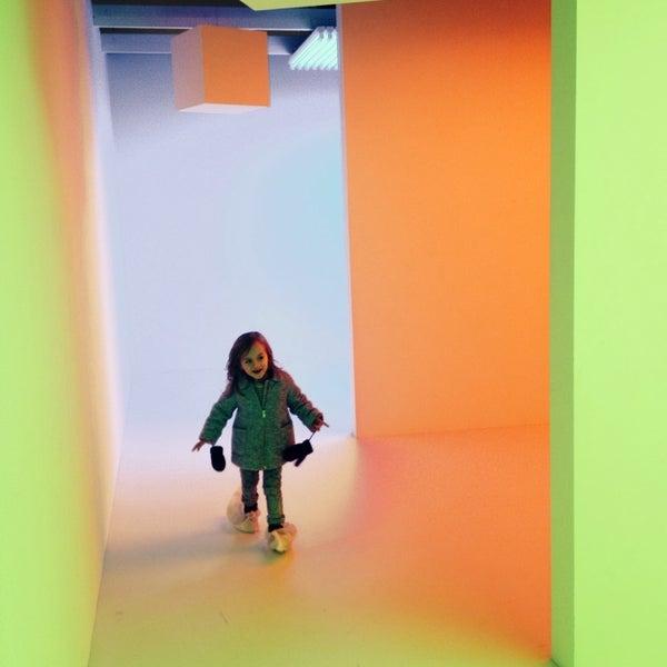 รูปภาพถ่ายที่ Design Museum Gent โดย Lies V. เมื่อ 12/6/2014