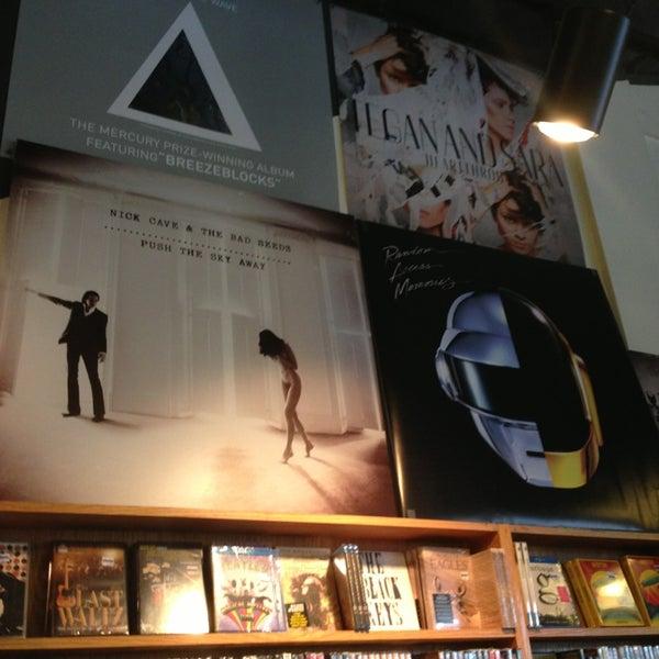 7/24/2013에 Blair M.님이 Waterloo Records에서 찍은 사진