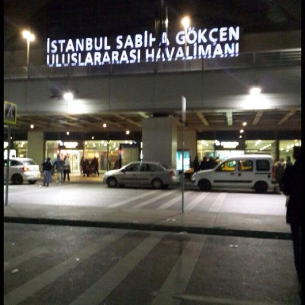Снимок сделан в Аэропорт Стамбул им. Сабихи Гёкчен (SAW) пользователем Büşra T. 10/26/2013