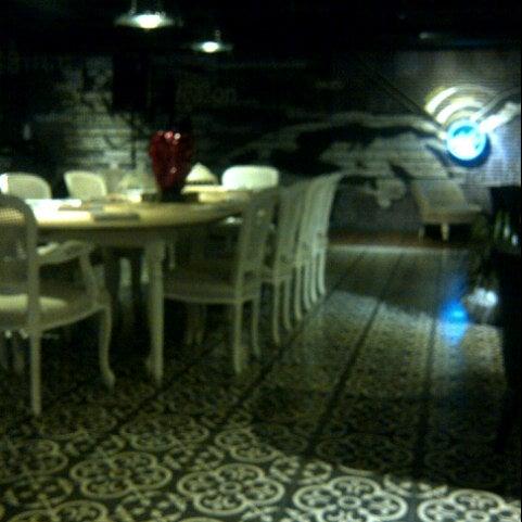 1/28/2013 tarihinde Pelin O.ziyaretçi tarafından Mint Restaurant & Bar'de çekilen fotoğraf