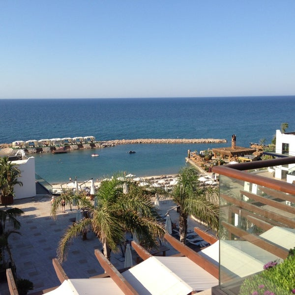 รูปภาพถ่ายที่ Cratos Premium Hotel & Casino โดย Oğuzcan... เมื่อ 6/20/2013