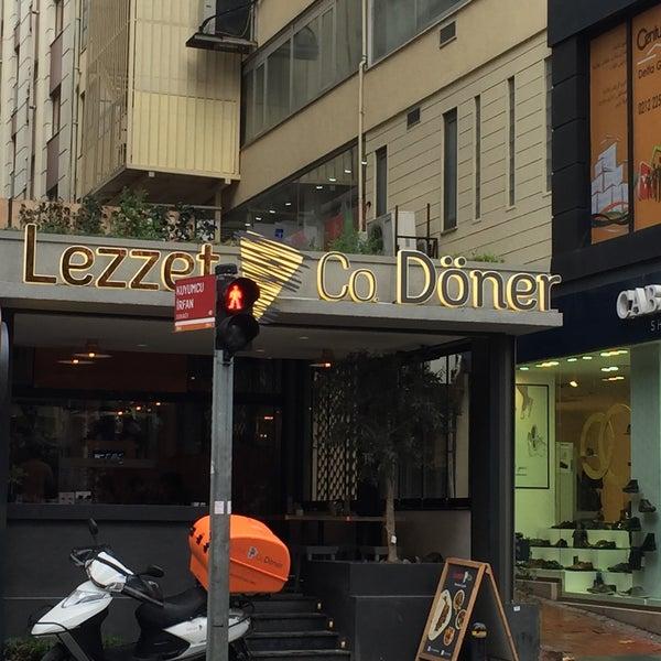 Снимок сделан в Lezzet Co. Döner пользователем Caner S. 12/17/2015