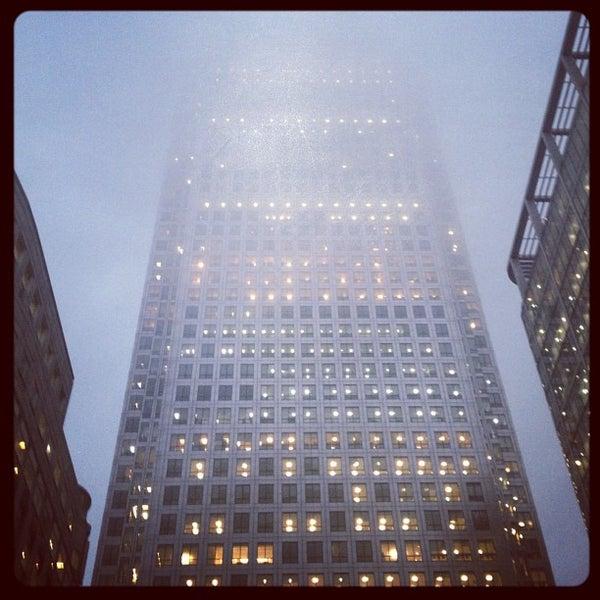 Foto scattata a Canary Wharf da Mark L. il 10/22/2012