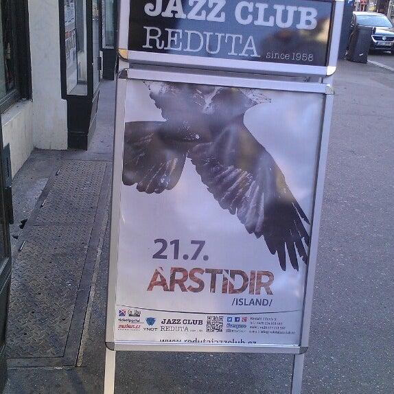 Foto tomada en Reduta Jazz Club por Maria C. el 7/21/2013