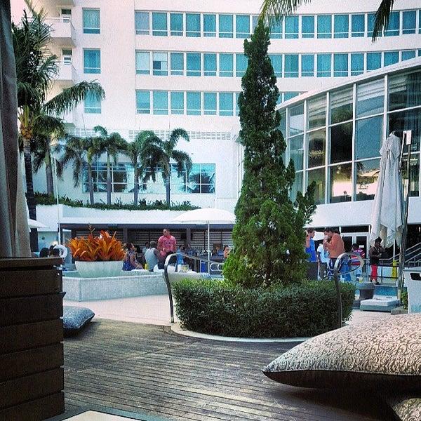 Photo prise au Fontainebleau Miami Beach par Adriano G. le7/7/2013