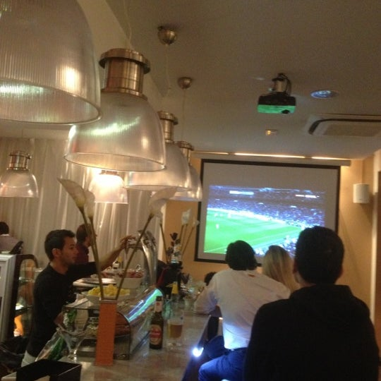 11/3/2012にSergio C.がScandalous Loungeで撮った写真