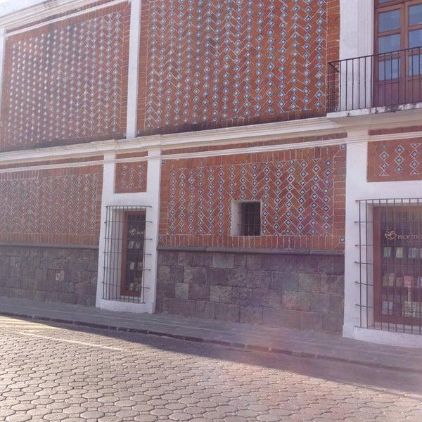 12/18/2012에 José Luis E.님이 Profética - Casa de la Lectura에서 찍은 사진