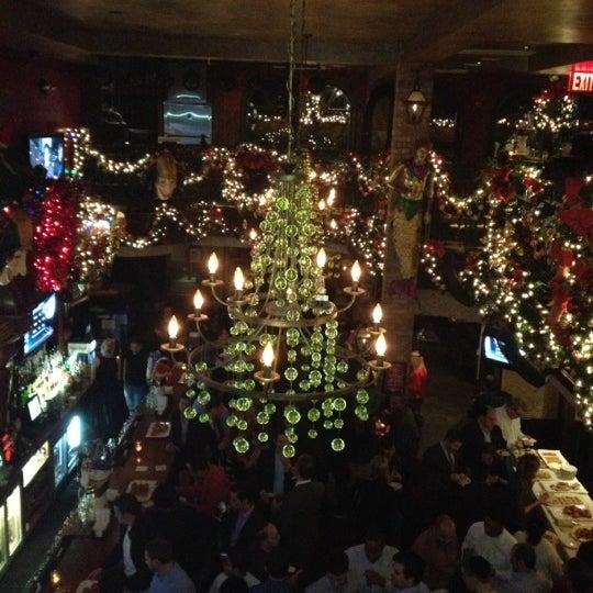 Foto tirada no(a) Bourbon Street Bar & Grille por Tina C. em 12/20/2012