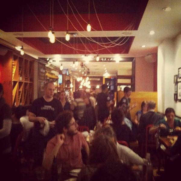 Photo prise au Pizzeria Libretto par Brenda Y. le10/26/2012