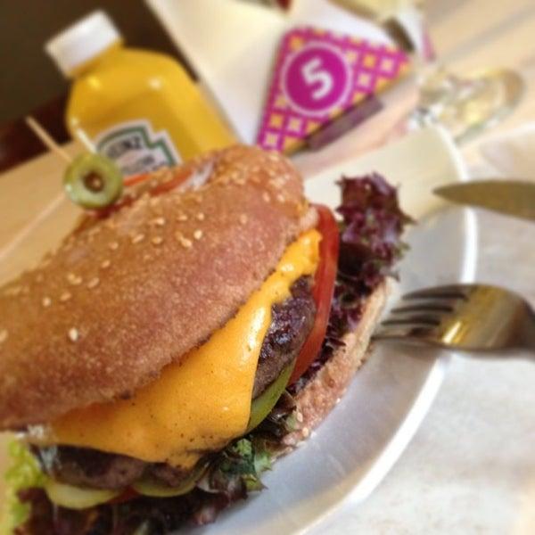 2/15/2013にPlaza Victoria / Café gastrobarがPlaza Victoriaで撮った写真