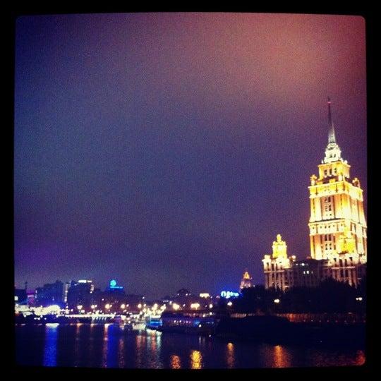 Снимок сделан в Crowne Plaza пользователем Maria K. 10/16/2012