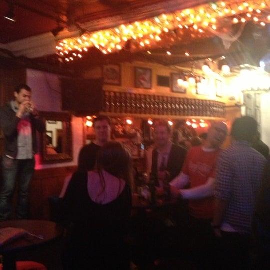 Foto tomada en The Hangge-Uppe por Sherry O. el 11/9/2012