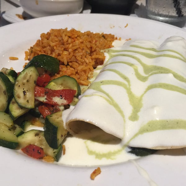 The vegetarian enchilada with mushrooms, spinach, and sour cream sauce. Oh yeah!