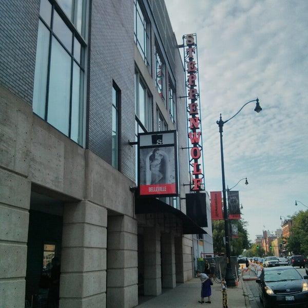 7/9/2013にMatt M.がSteppenwolf Theatre Companyで撮った写真