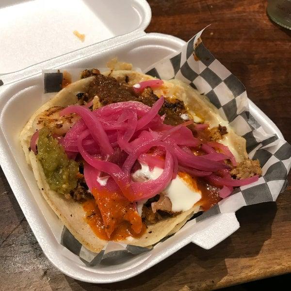 Снимок сделан в Seven Lives - Tacos y Mariscos пользователем I-tim N. 9/30/2018