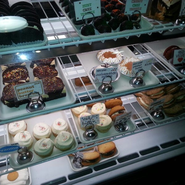Das Foto wurde bei Flying Monkey Bakery von LadyLaura F. am 2/16/2013 aufgenommen