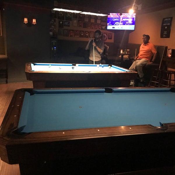 Foto tomada en Society Billiards + Bar por Mike el 2/24/2020