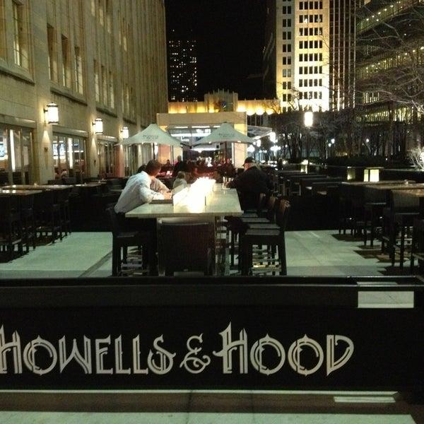 4/15/2013 tarihinde Brian G.ziyaretçi tarafından Howells & Hood'de çekilen fotoğraf