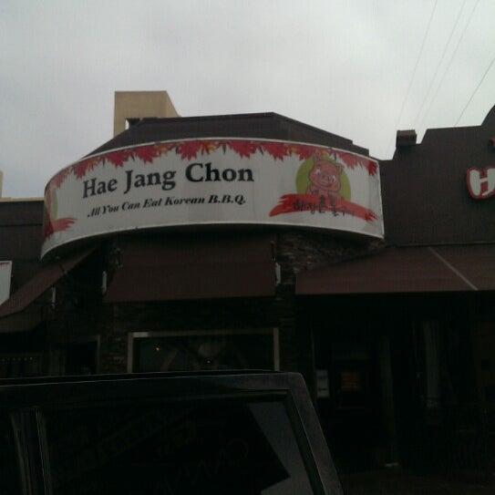Foto scattata a Hae Jang Chon Korean BBQ Restaurant da Buggy's G. il 6/8/2013