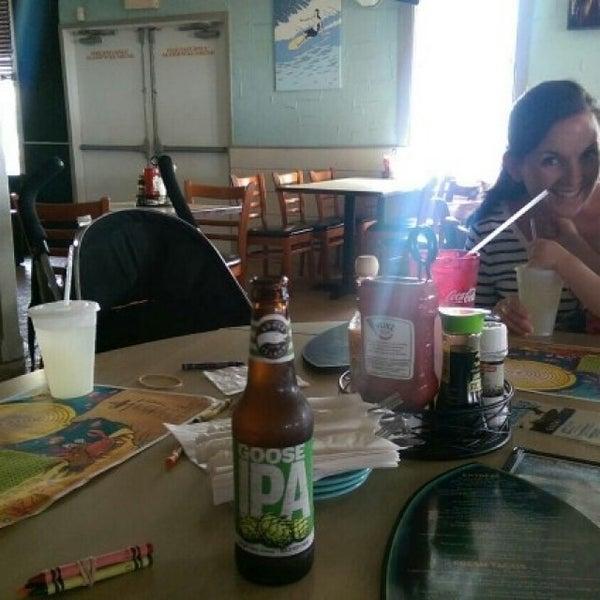 Foto tomada en Cabanas Beach Bar and Grill por Mike D. el 5/29/2016