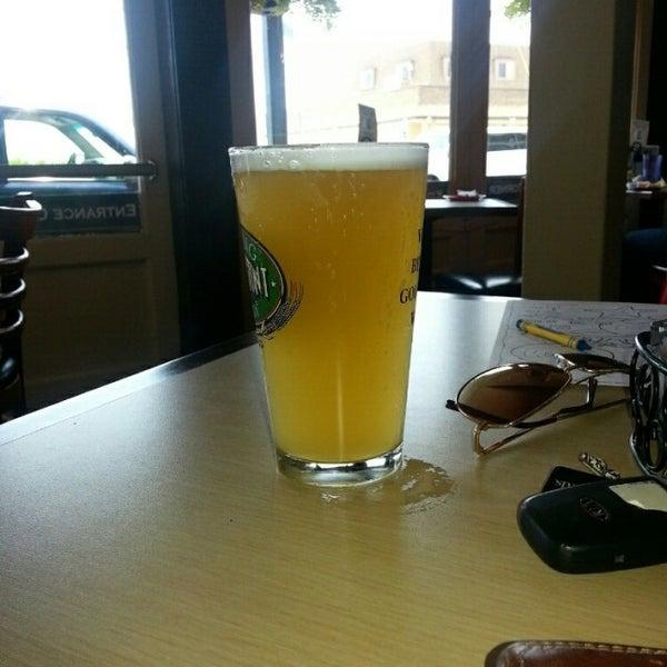 Foto tomada en Cabanas Beach Bar and Grill por Mike D. el 6/3/2014
