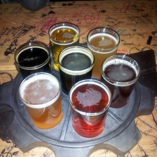 Снимок сделан в Kinetic Brewing Company пользователем luchito C. 12/29/2012