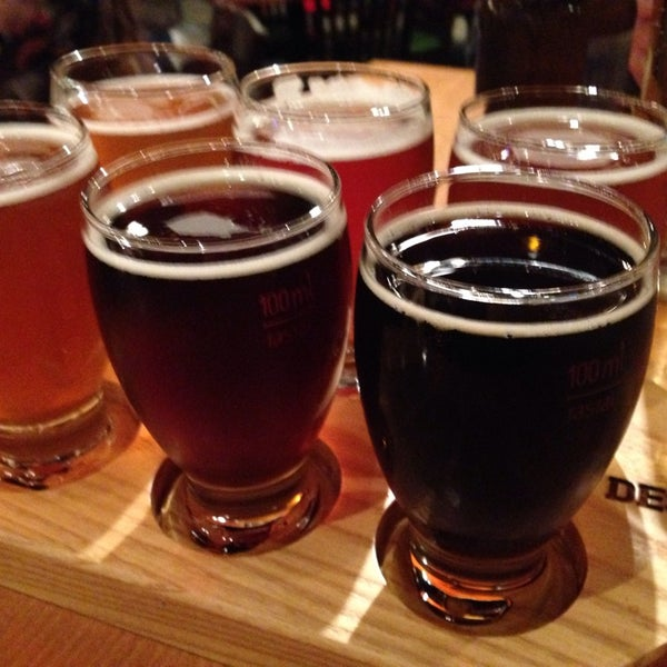 Photo prise au Deschutes Brewery Portland Public House par Michael T. le9/23/2013